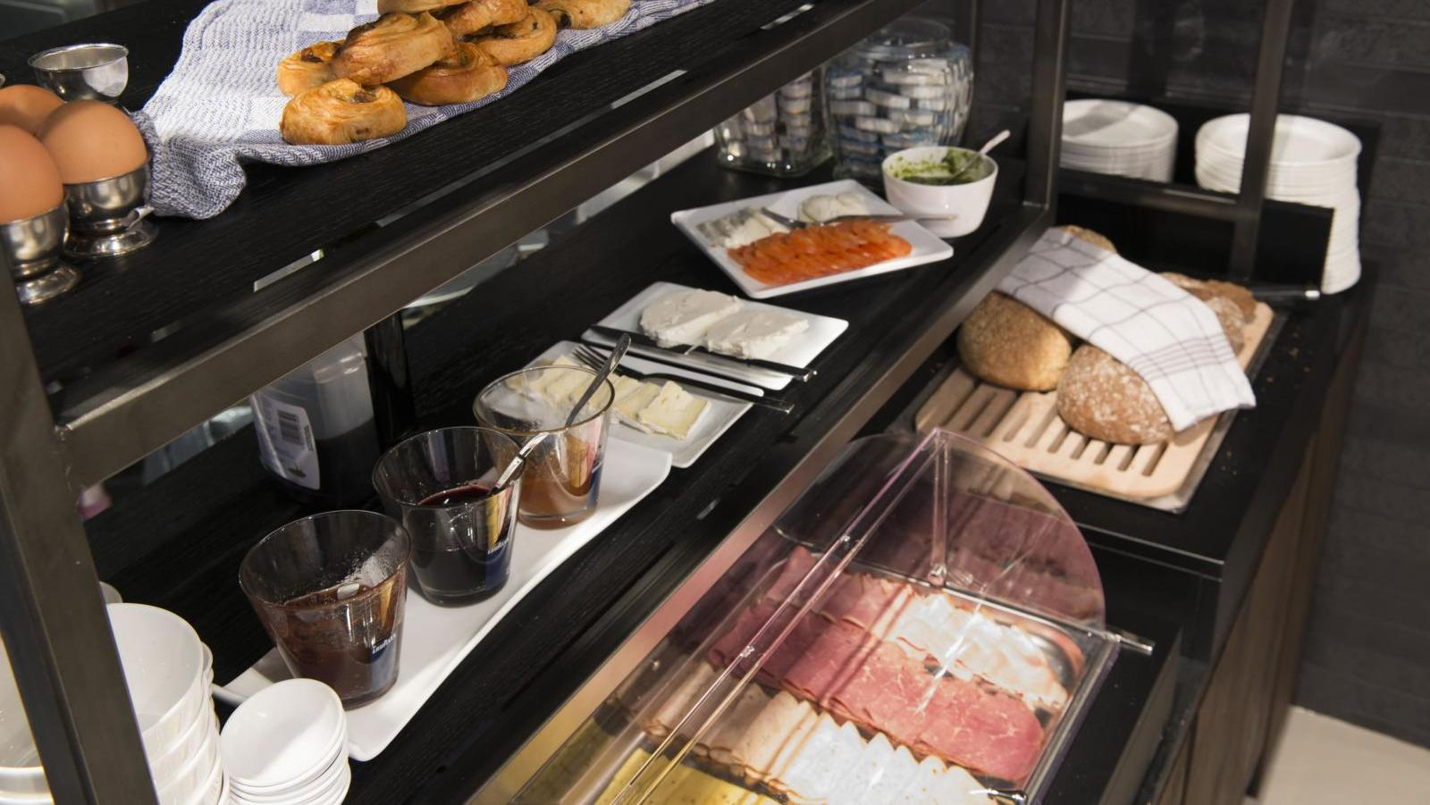 extended breakfast buffet at PH hotel oosteinde amsterdam